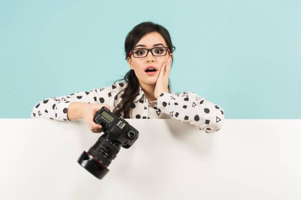 Young woman with camera picture id930658166?b=1&k=6&m=930658166&s=612x612&w=0&h=ezulbjoavuugvqgkrcosupcbq6lkvdee531ewzdouty=
