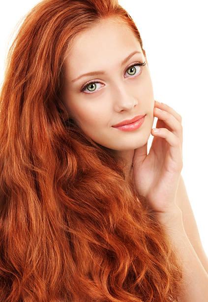 Junge Frau mit roten Haaren und grünen Augen – Foto