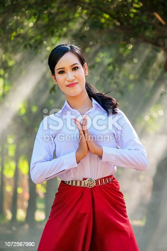 istock Young woman with rehearsal style Thai style. 1072567990