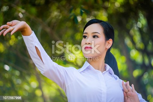 istock Young woman with rehearsal style Thai style. 1072567998