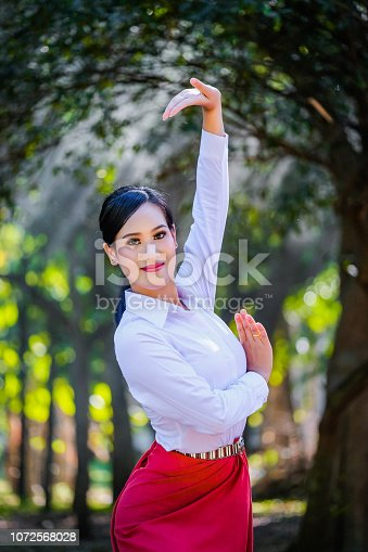 istock Young woman with rehearsal style Thai style. 1072568028
