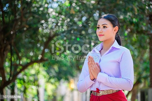 istock Young woman with rehearsal style Thai style. 1072568286