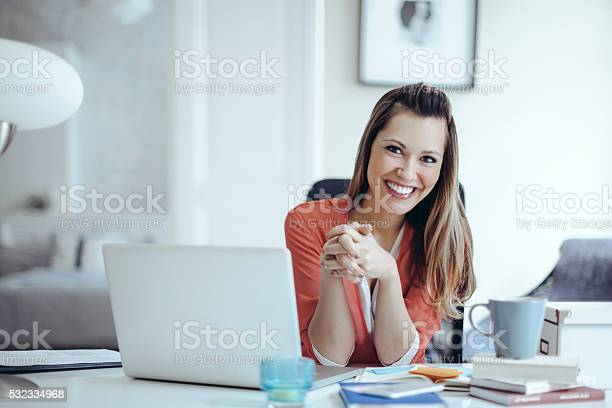 Young woman working at home picture id532334968?b=1&k=6&m=532334968&s=612x612&h=ajlatef7vguphznpdtjbxkynhmop7z2y5caoebdbjf8=