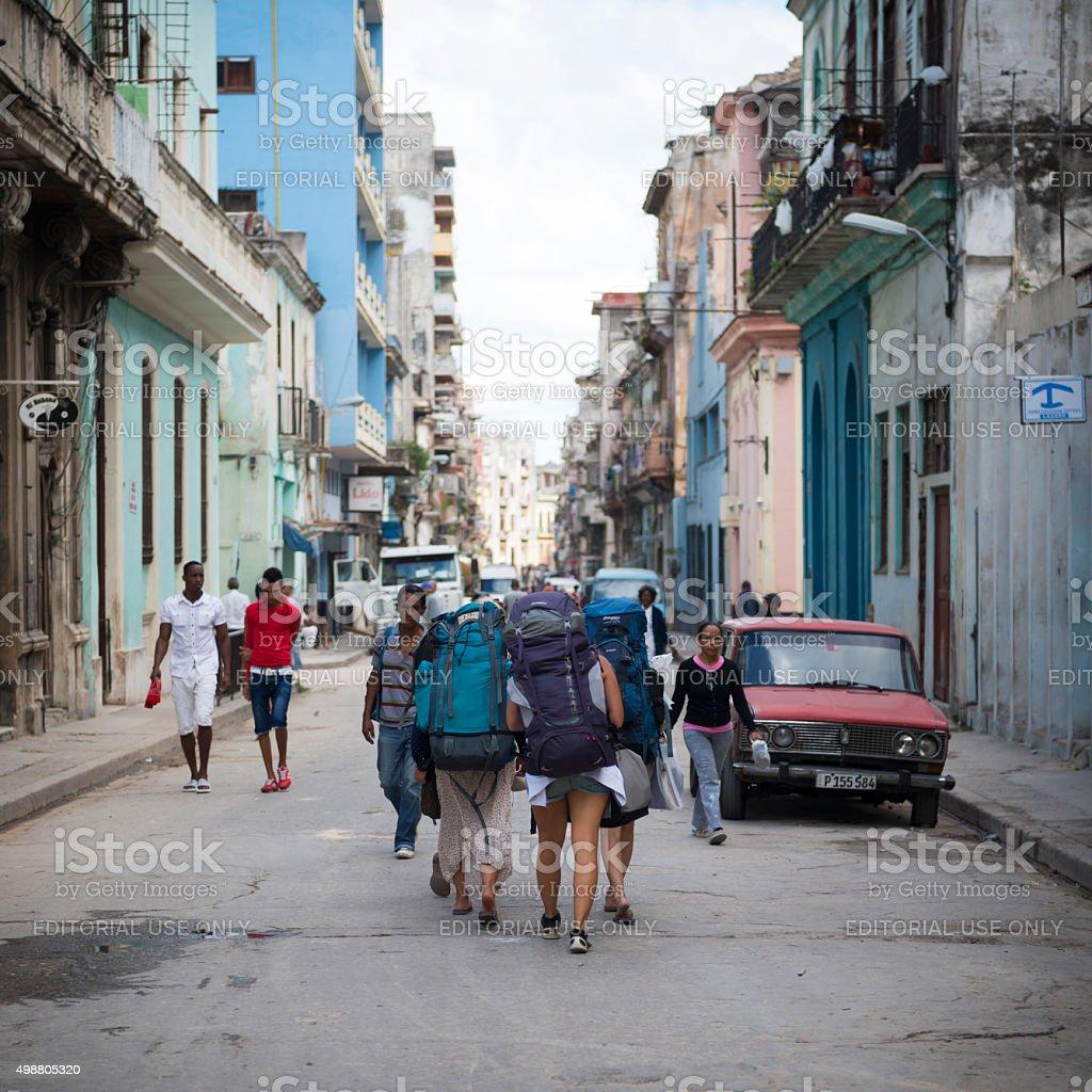 Jeunes femmes randonnée à La Havane, Cuba - Photo