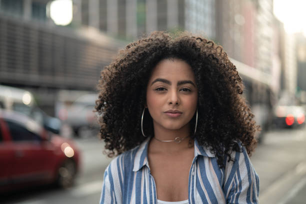 young women portrait - афро стоковые фото и изображения