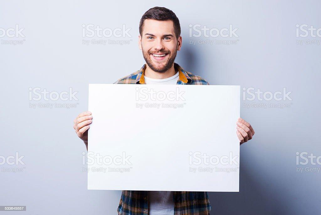 Su anuncio en buenas manos. - foto de stock