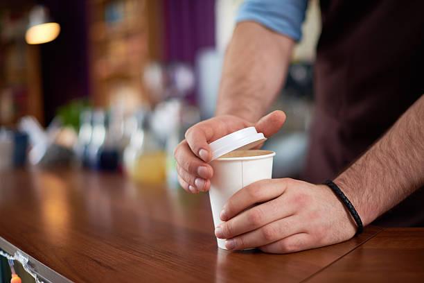 내 커피. - 뚜껑 뉴스 사진 이미지