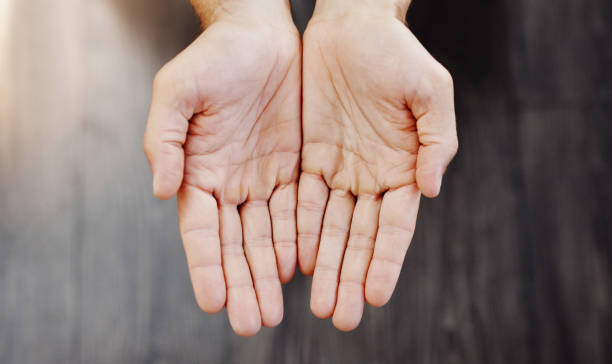 your hands shows that you are healthy - palmo foto e immagini stock