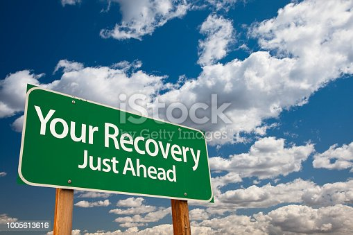istock Your Recovery Green Road Sign 1005613616