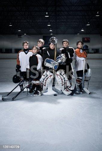 istock Youth Hockey Team 125140729