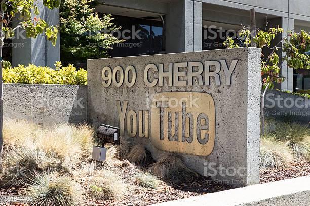 Youtube Headquarters Foto de stock y más banco de imágenes de Aire libre