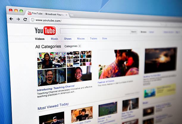 youtube homepage. - youtube stockfoto's en -beelden
