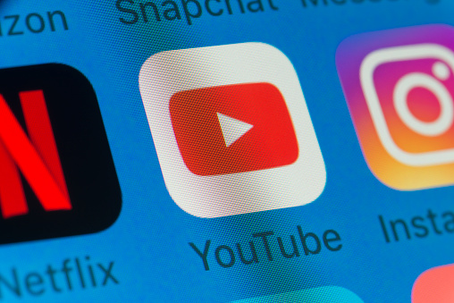 Youtube, Netflix, Instagram and other cellphone Apps on iPhone screen
