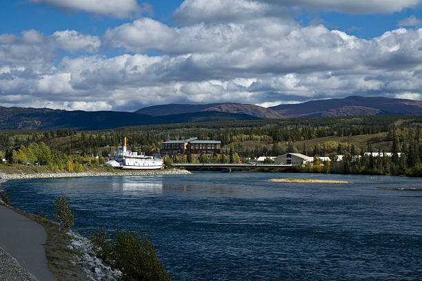 yukon river and paddlewheeler s.s. klondike. whitehorse, yukon - yt stock pictures, royalty-free photos & images
