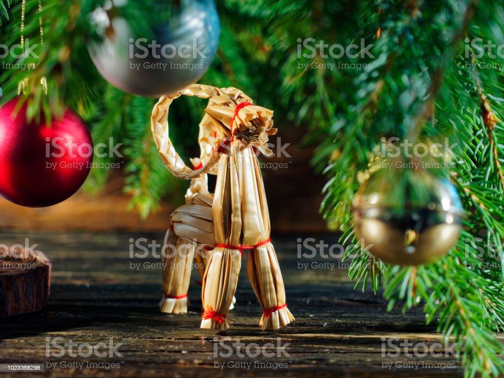 Albero Di Natale Yule.Yule Goat Under The Christmas Tree Fotografie Stock E Altre Immagini Di Albero Istock