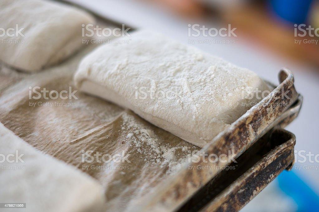 Köstliche frische rohe Ciabatta Braten auf/Tee-Sortiment – Foto