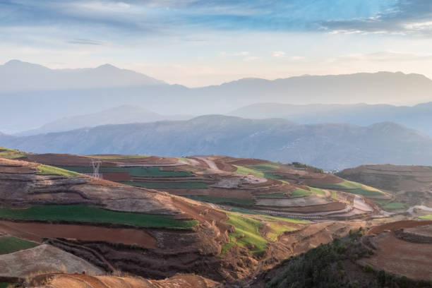 yunnan rotes Land am frühen Morgen – Foto