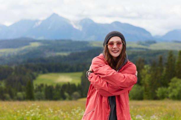 Femme de christophe dans la montagne. Paysage de montagne. Pologne - Photo