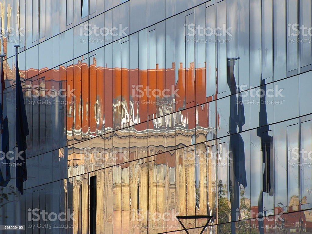 Zagreb window reflection foto royalty-free