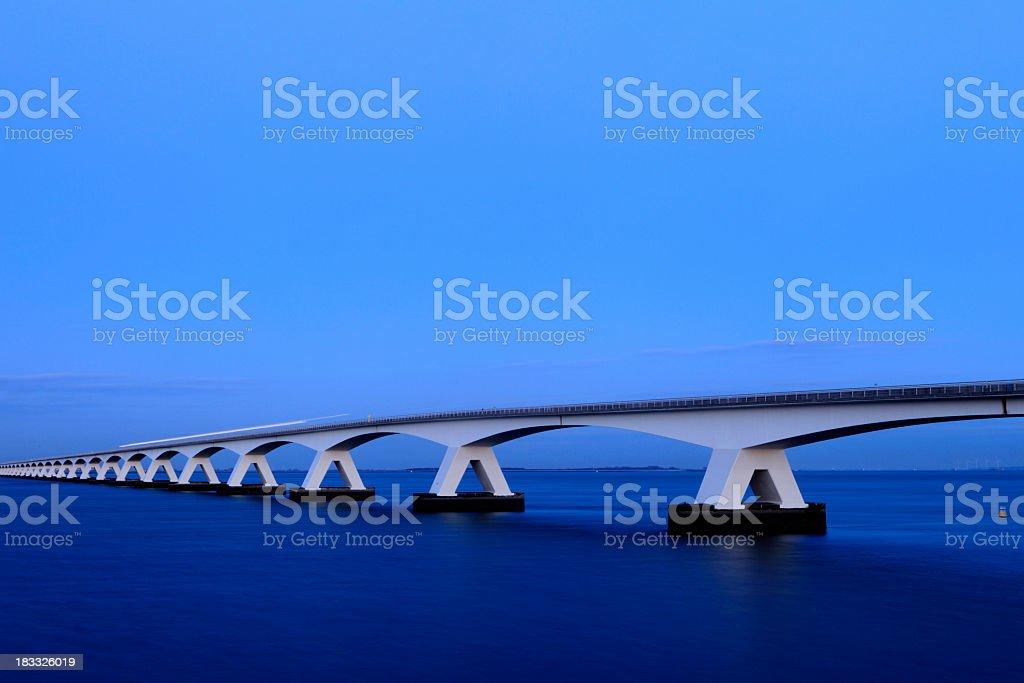 Provinz Zeeland Brücke über den Fluss eastern screech owl Lizenzfreies stock-foto