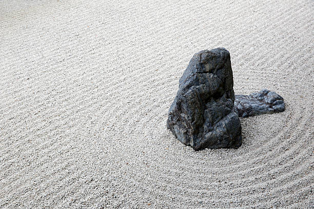 zen-garten - japanischer garten stock-fotos und bilder