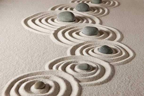 pietre zen - armonia foto e immagini stock