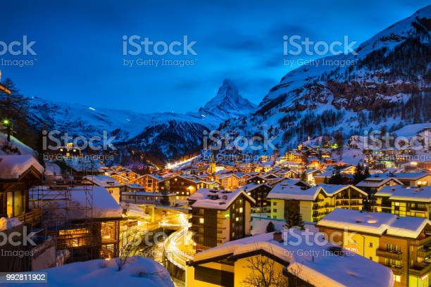 Photo of Zermatt town with Matterhorn peak in Mattertal, Switzerland, at dawn