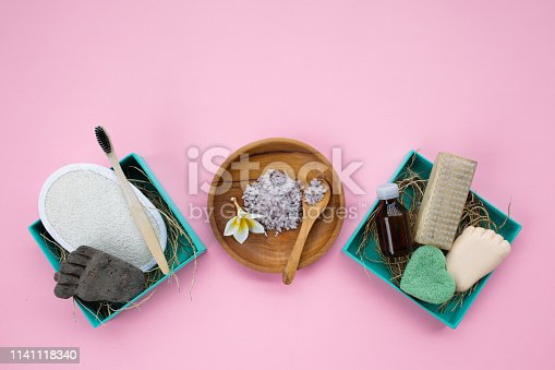 1169442288 istock photo Zero waste cosmetics products. 1141118340