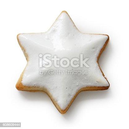 istock Zimtstern , homemade christmas cookie isolated on white background 608609444