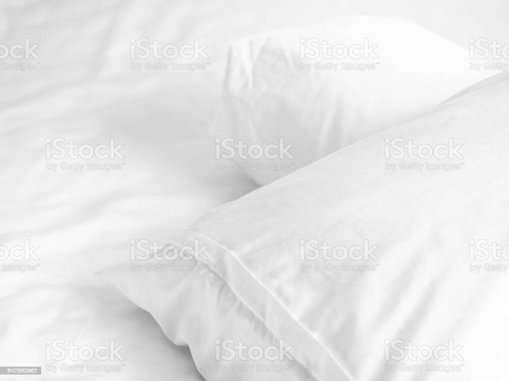 Reißverschlusskissen Und Polster Auf Dem Bett Im Schlafzimmer Für ...