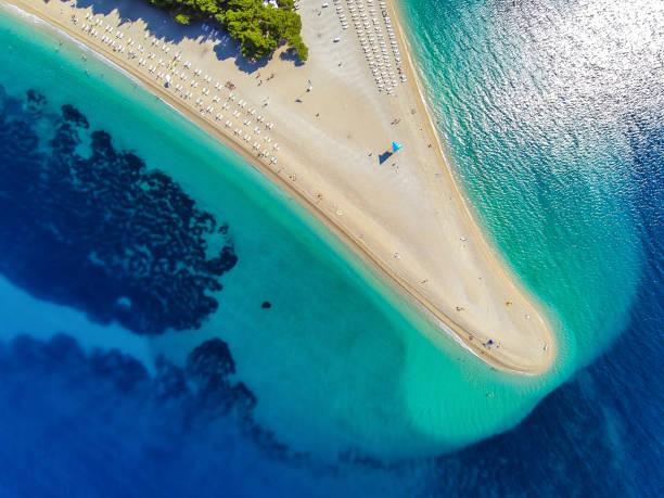 Zlatni rata beach, Bol, isla de Brac, dalmacia, Croacia - foto de stock