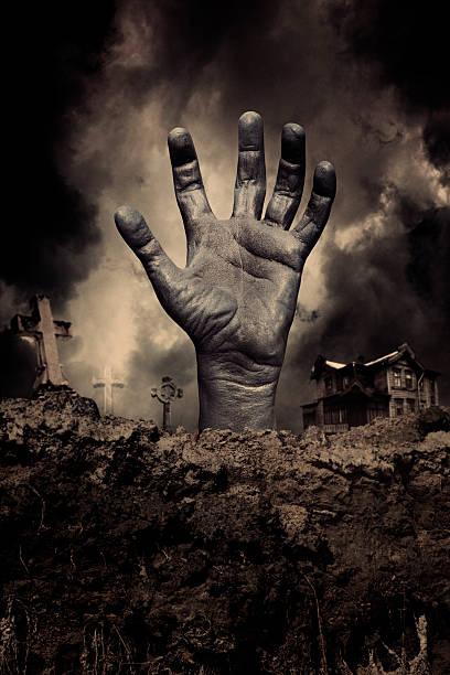 zombie-hand - halloween grabsteine stock-fotos und bilder