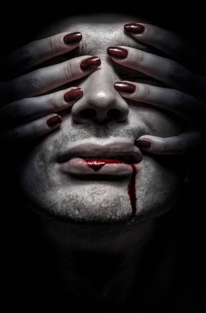 zombie - vampire femme photos et images de collection