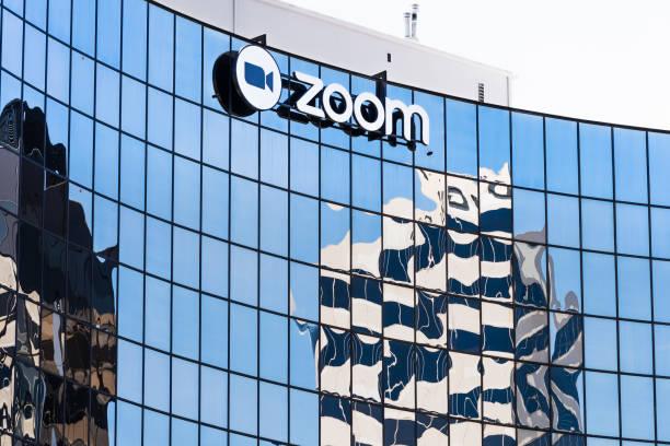 sede de zoom en silicon valley - zoom meeting fotografías e imágenes de stock