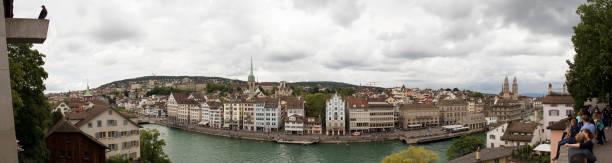zürich panoramic view from lindenhof - zurigo foto e immagini stock