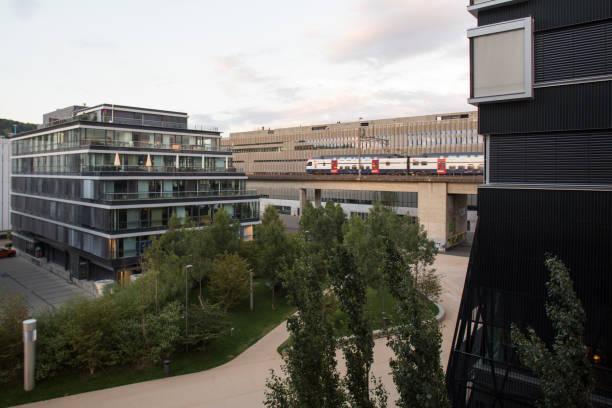 zürich-west modern cityscape - zurigo foto e immagini stock