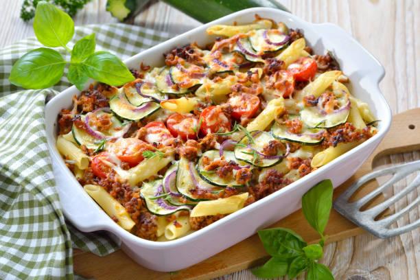 Zucchini und Pasta Auflauf – Foto