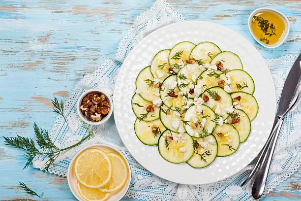 zucchini-carpaccio - carpaccio salat stock-fotos und bilder