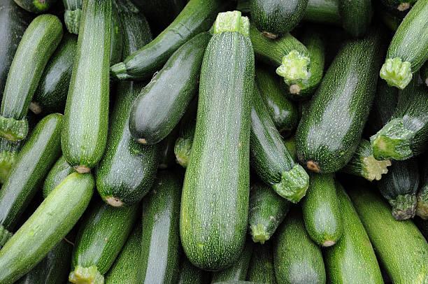 zucchini - mergpompoen stockfoto's en -beelden