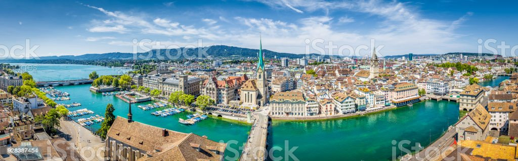 Zürich Skyline Panorama mit Fluss Limmat, Schweiz – Foto