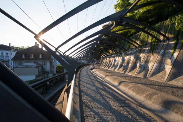 zürich stadelhofen station - zurigo foto e immagini stock