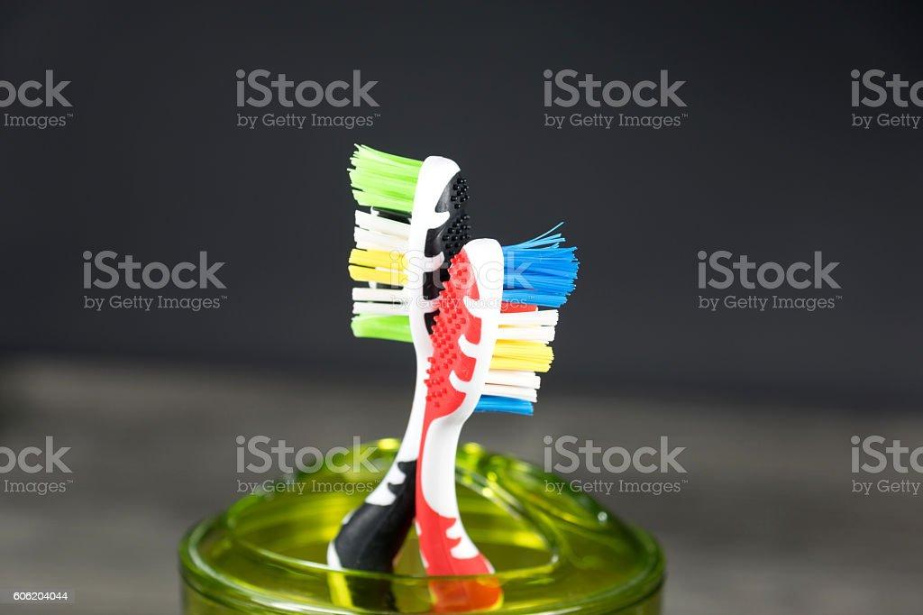 Zwei Zahnbürsten stock photo