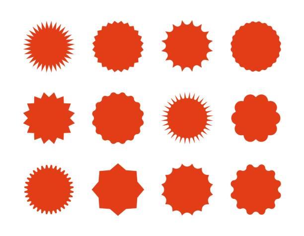 illustrations, cliparts, dessins animés et icônes de 1902. m30. i020. n045 c 12.792307972 starburst prix autocollants. étoiles vente bannières, signes d'explosion rouge, des bulles de discours sunburst. silhouettes rouges vectorielles sur des fonds blancs - éclairage au flash