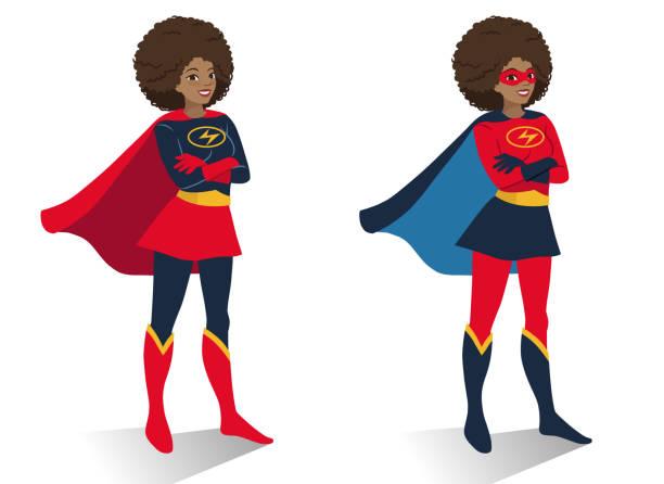 afrikanischen amerikanischen superhelden-frau in kostüm und maske stand mit verschränkten armen. cartoon charakter vektorgrafik in flachen zeitgemäß isoliert auf weißem hintergrund. frauen-aktivismus-konzept - superwoman stock-grafiken, -clipart, -cartoons und -symbole