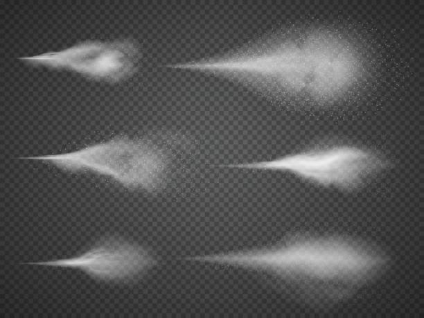 Luftige Wasser Spray Nebel Vektor festgelegt. Sprüher Nebel auf schwarzen transparenten Hintergrund isoliert – Vektorgrafik
