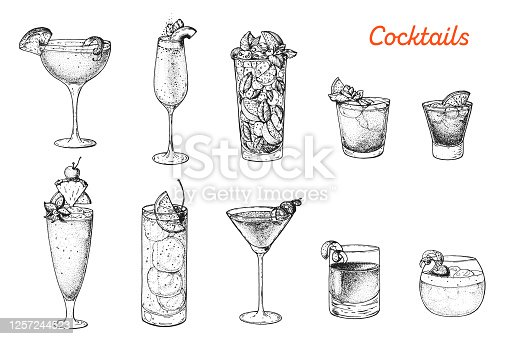 Alcoholic cocktails hand drawn vector illustration. Cocktails sketch set. Engraved style. Sidecar, bellini, mojito, mai tai, negroni, singapore sling, tom collins, cosmopolitan, sazerac, whisky sour.