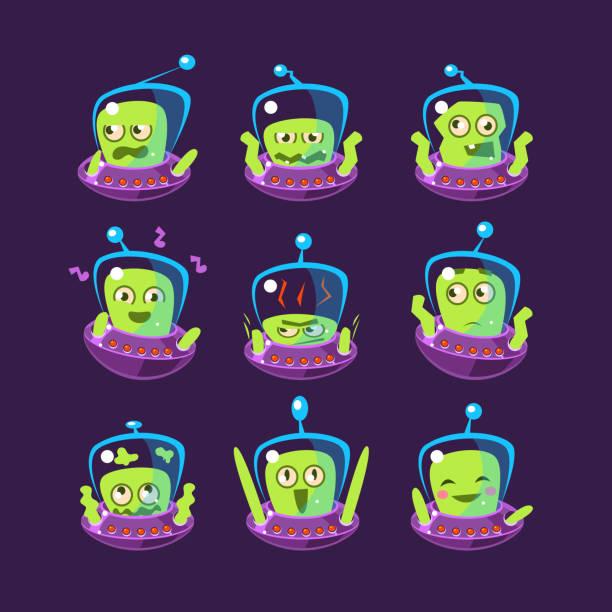 ilustraciones, imágenes clip art, dibujos animados e iconos de stock de alien en ovni emoji juego - emoji emocionado