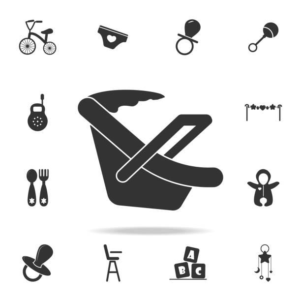 illustrations, cliparts, dessins animés et icônes de icône de siège de voiture de bébé. ensemble d'icônes de jouets d'enfant et de bébé. graphismes web de qualité premium design graphique. collection de signes et de symboles, icônes simples pour les sites web, conception - child car sleep