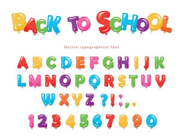 Zurück zur Schule. Ballon bunte Schrift für Kinder. Lustige ABC Buchstaben und zahlen. Für Geburtstags-Party, Baby-Dusche. Isoliert auf weiss. – Vektorgrafik