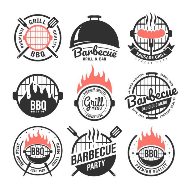 zestaw etykiet do grillowania i grilla. kolekcja emblematów i odznak grilla. elementy menu restauracji. ilustracja wektorowa - barbecue stock illustrations